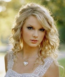 Taylor Swift Info on Taylor Swift   S    Fearless    Makes Country Music History