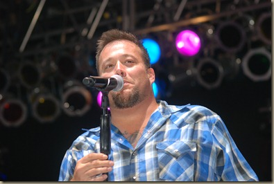 Uncle Kracker and Twang Bangers 136