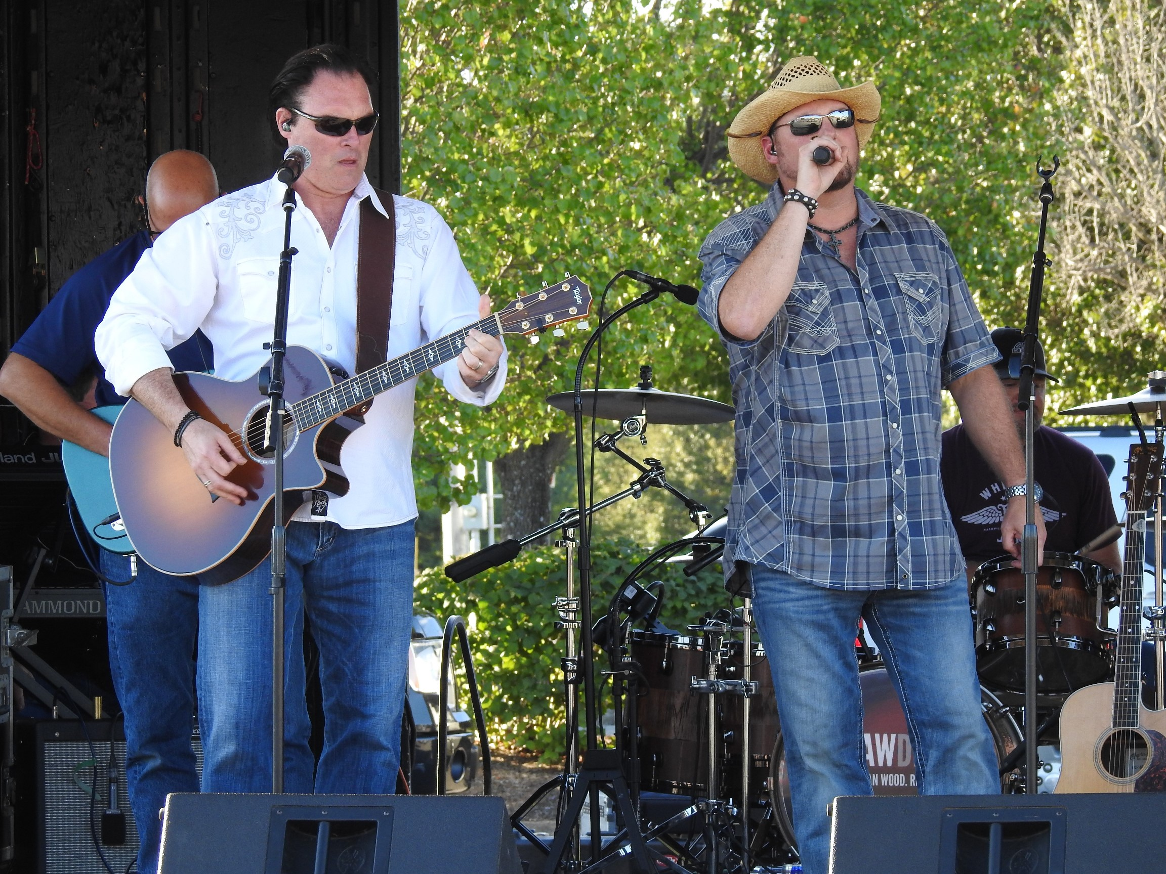 Smith & Wesley bring the best of country music to Ultimate Man Expo