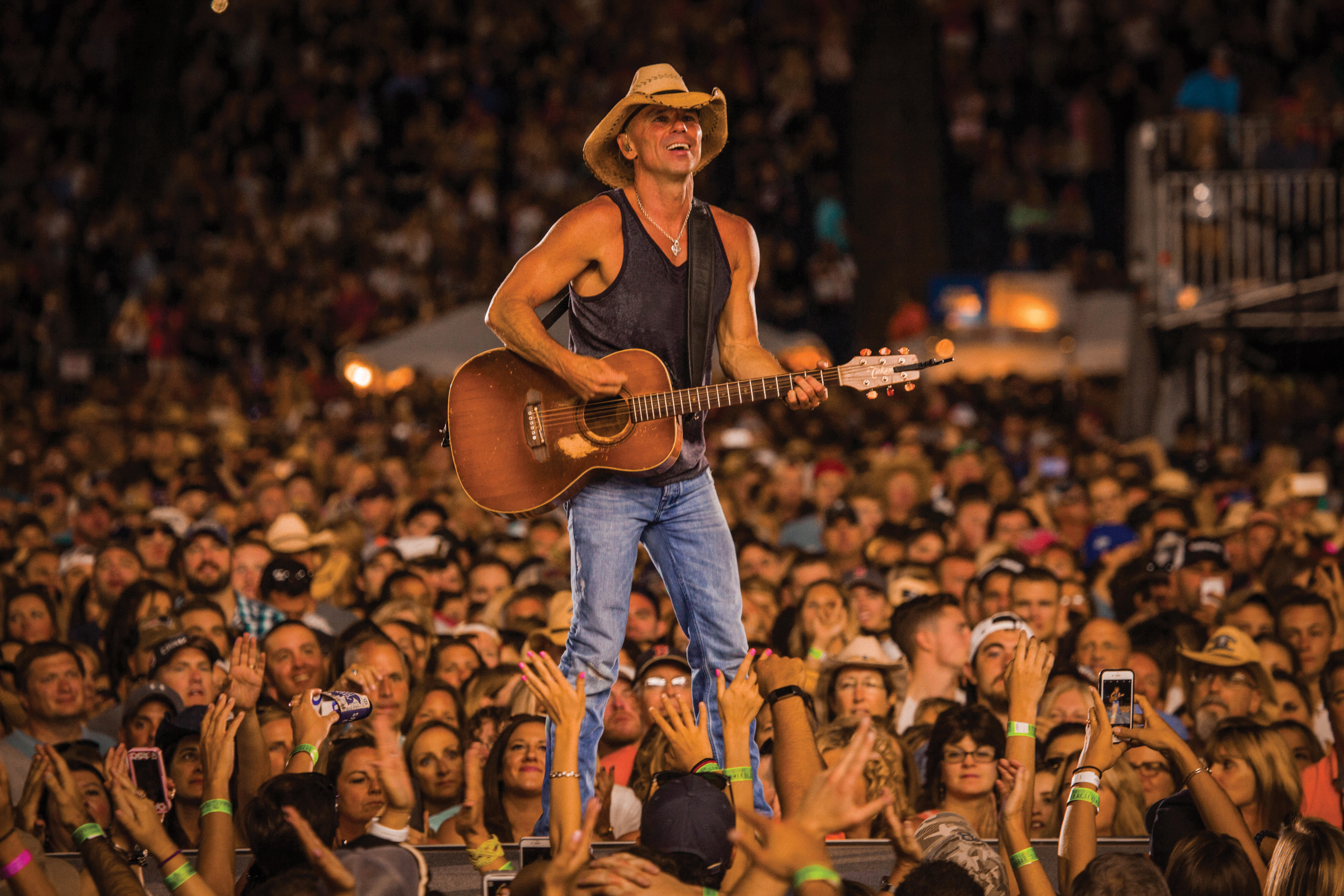 Kenny Chesney Takes Stadiums for a Trip Around The Sun