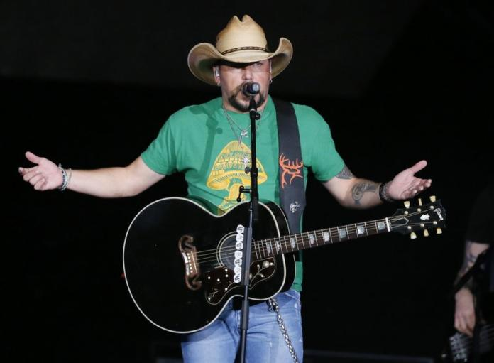 Jason Aldean talks to his fans at first show after Las Vegas shooting