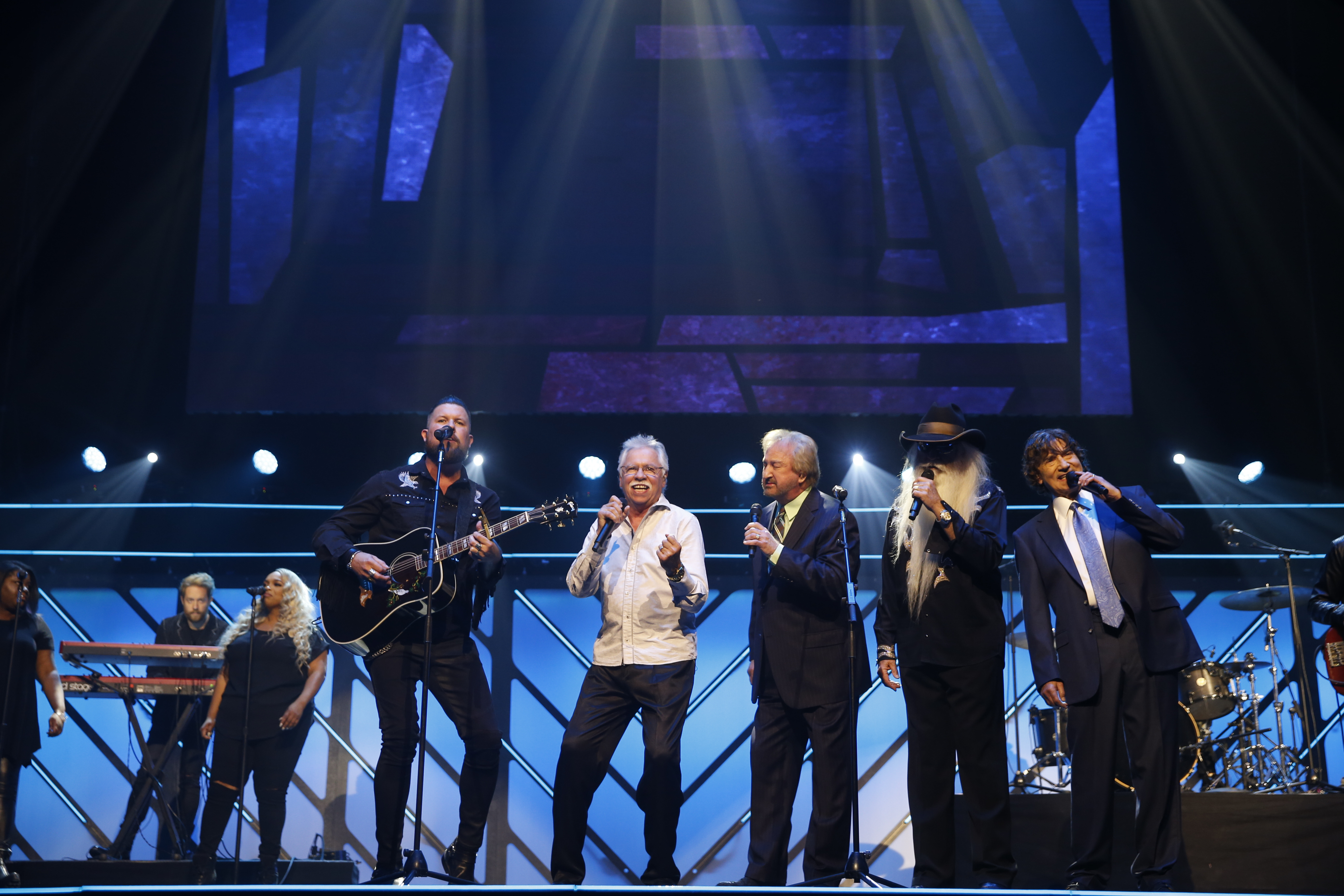 Tune-In Alert: The Oak Ridge Boys open 48th Annual GMA Dove Awards with 2017 New Artist of the Year Zach Williams