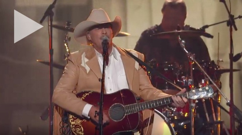 Alan Jackson to perform on CMA Country Christmas, hosted by Reba