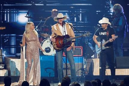 "Country superstar Alan Jackson's ""Honky Tonk Highway Tour"" rolls on"