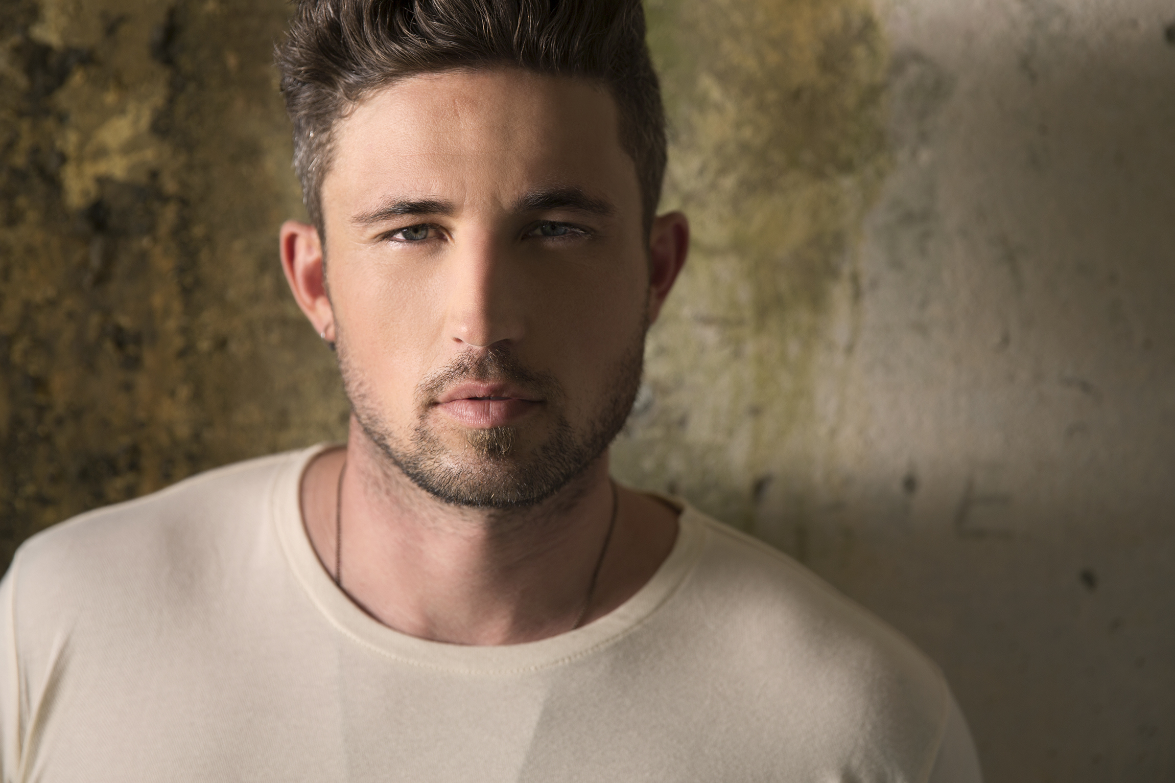 Michael Ray teams up with GIVN® Water as new brand ambassador
