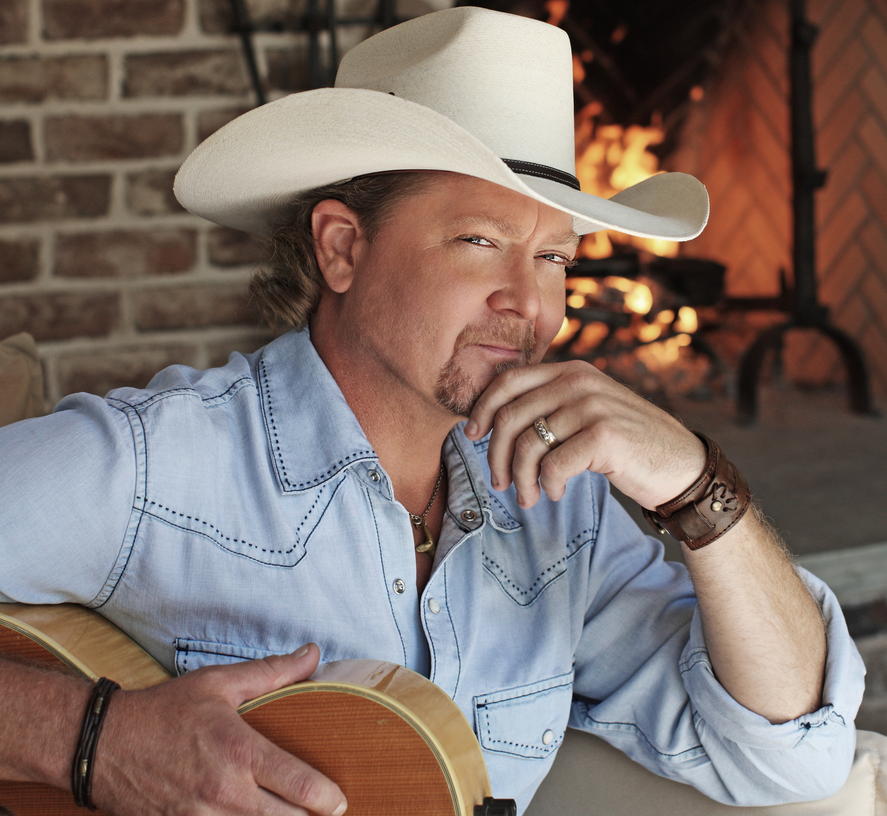 Tracy Lawrence's GOOD OLE DAYS Tops Sales Charts on eve of 12th Annual Mission:Possible Turkey Fry