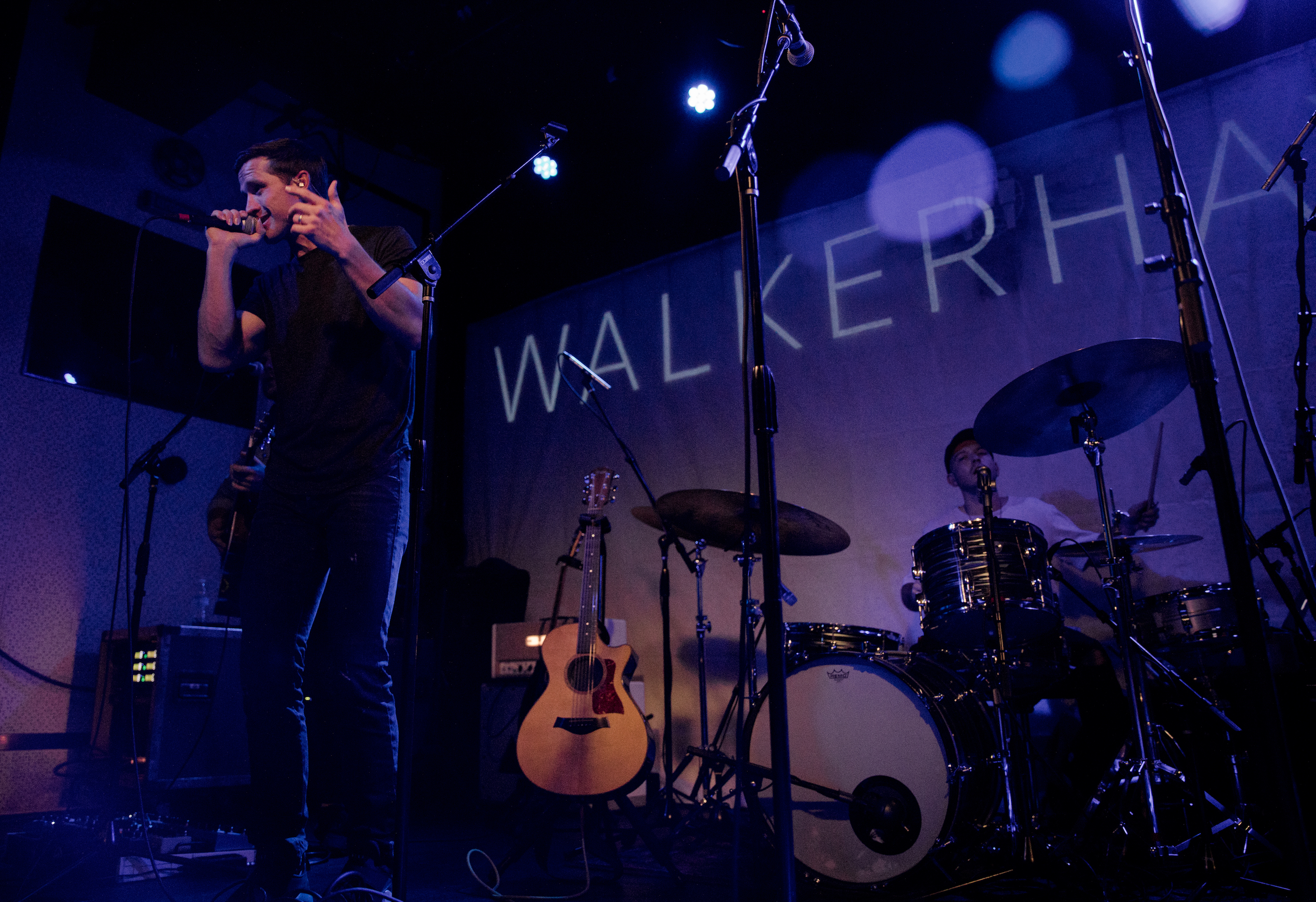 "Walker Hayes' ""You Broke Up With Me"" Certified RIAA Gold"