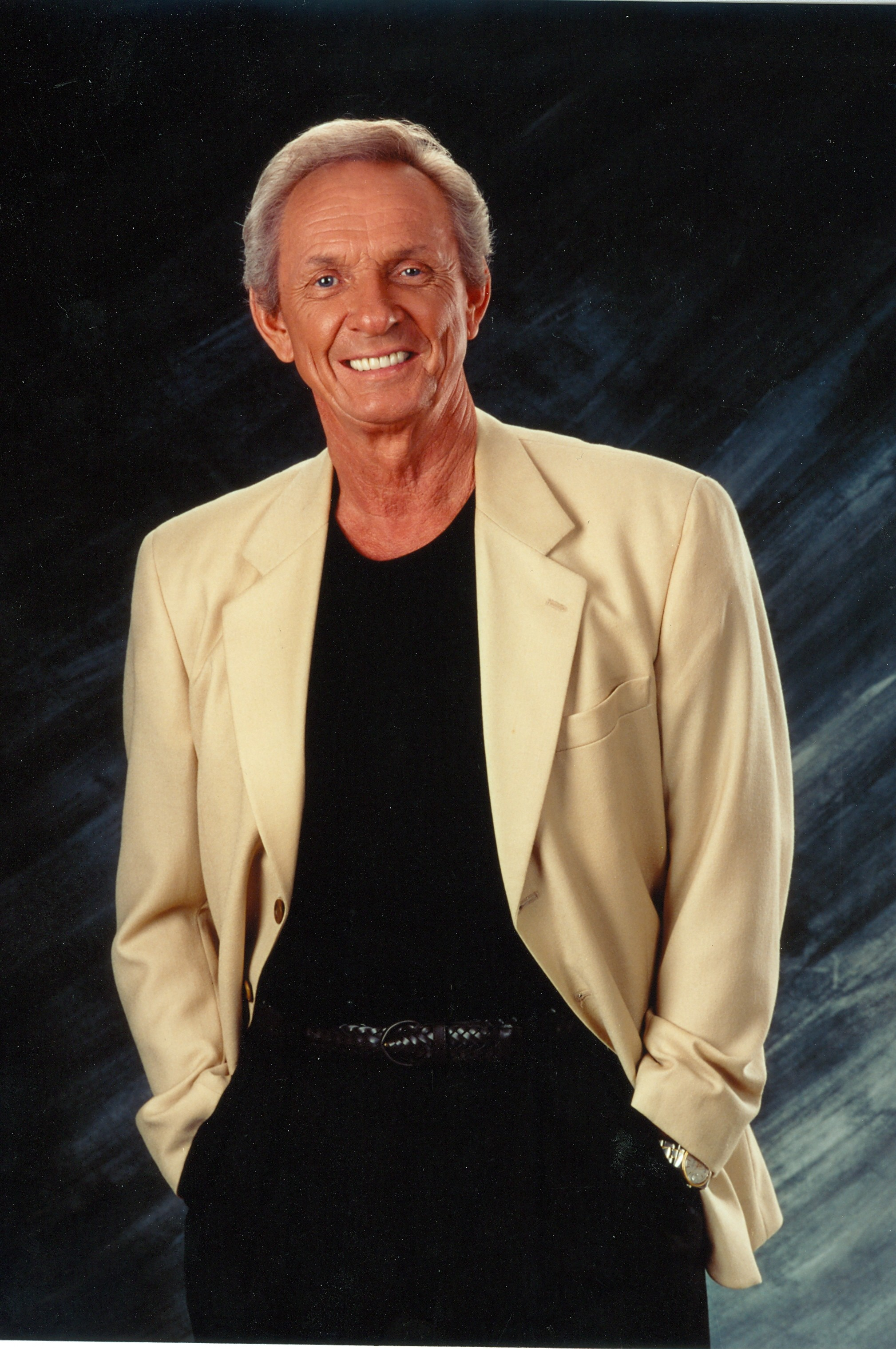 Pam Tillis and fellow artists react to the passing of her Dad, Mel Tillis