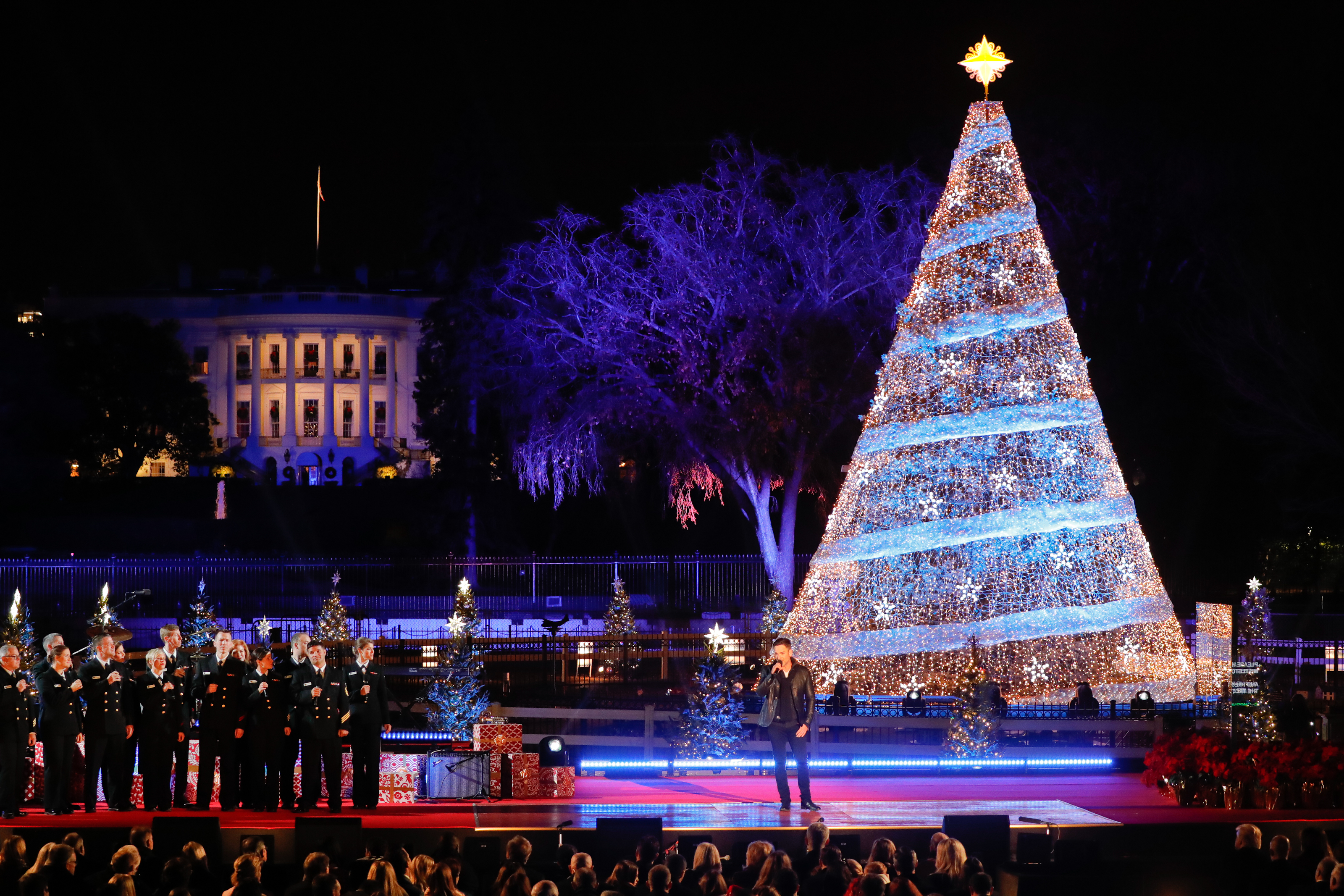 Tune In:  Craig Campbell performs at 95th anual National Christmas Tree Lighting tonight (12/4/17)
