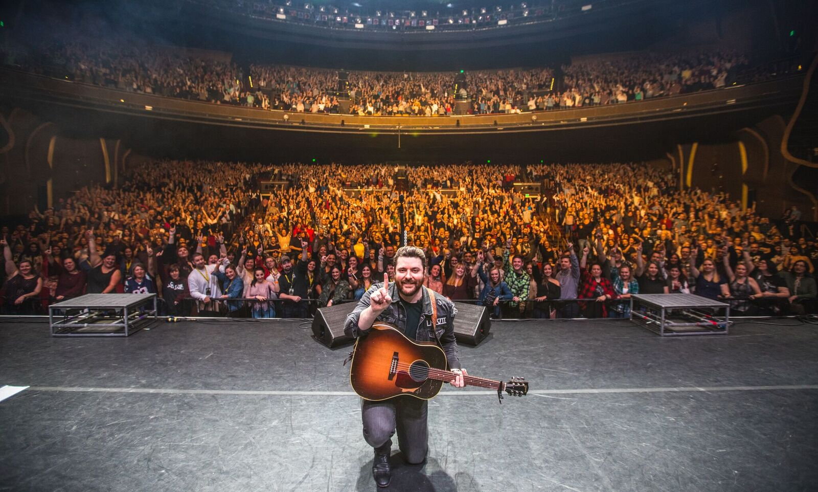 """Chris Young celebrates 10th airplay chart topping single as """"Losing Sleep"""" takes the top spot at Billboard and Mediabase"""