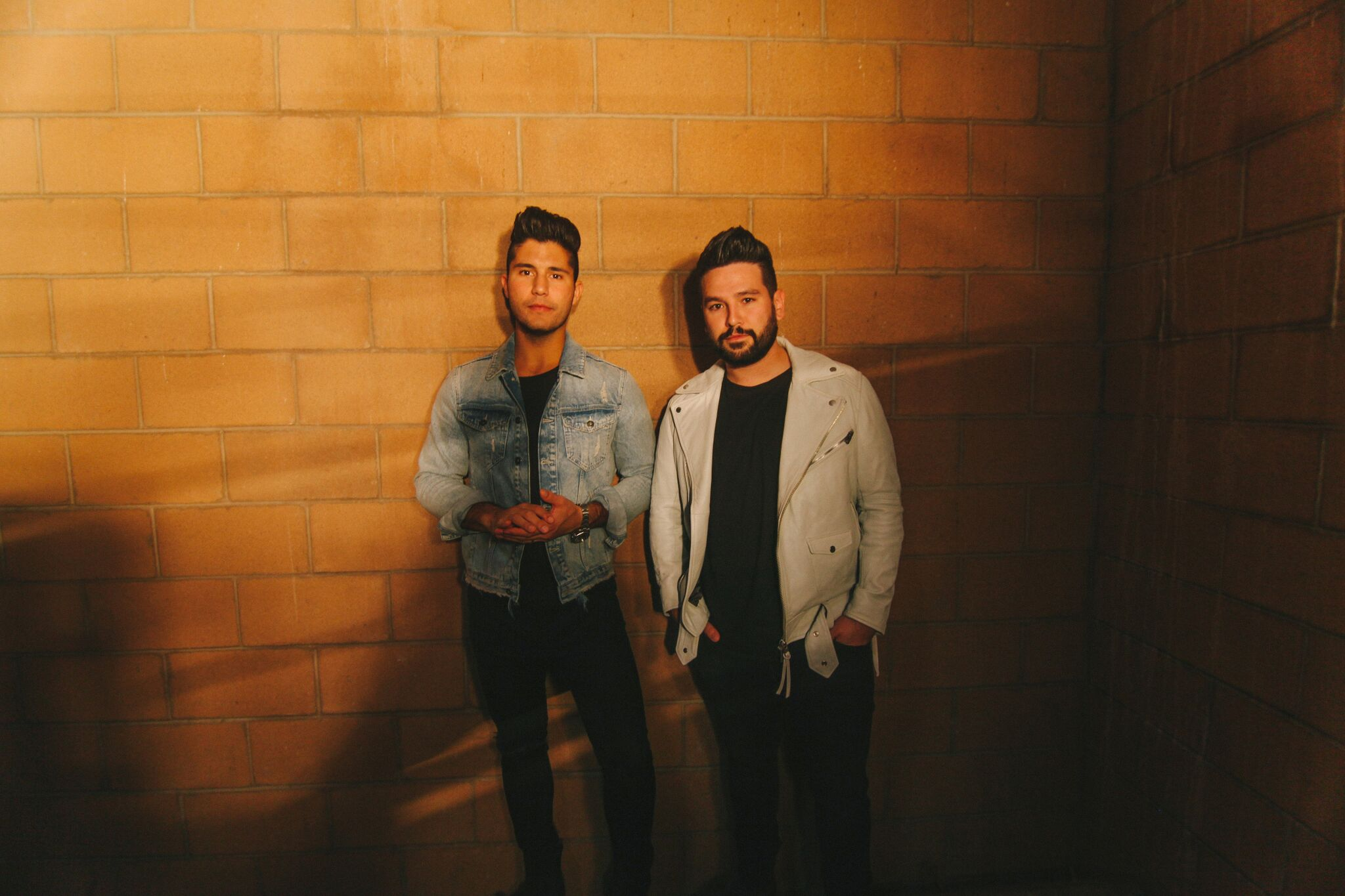 "ACM Duo of the Year nominees Dan + Shay singled out on Spotify's Today's Top Hits playlist with ""Tequila"""