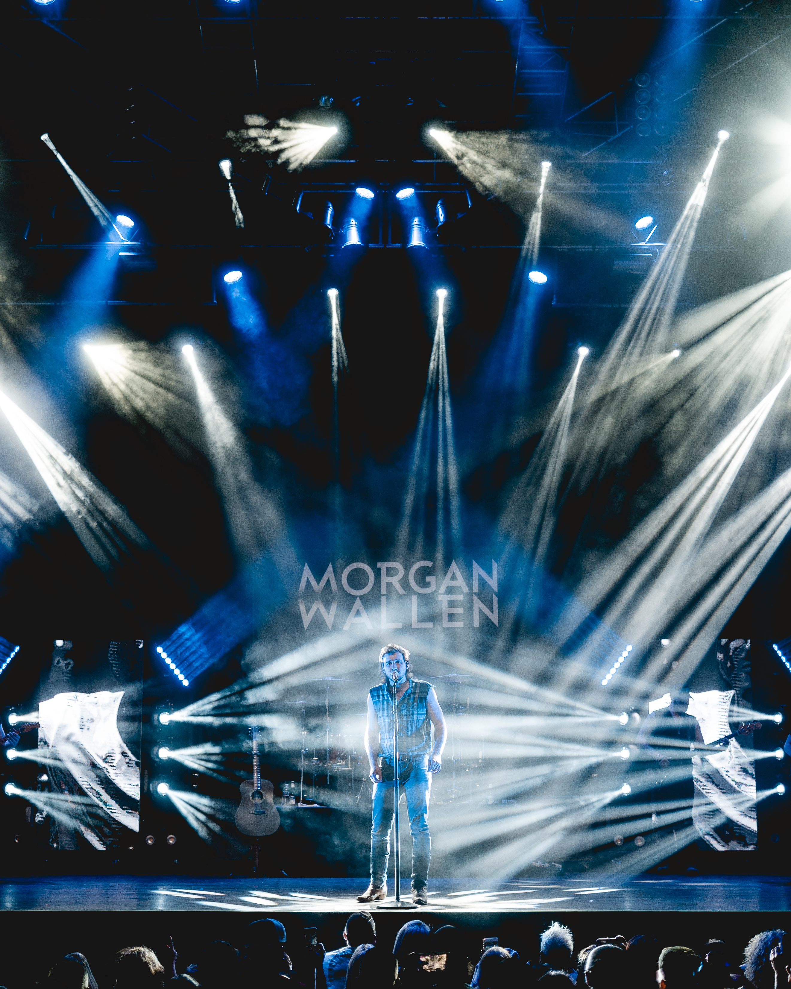 Rising country star Morgan Wallen brings electric end to